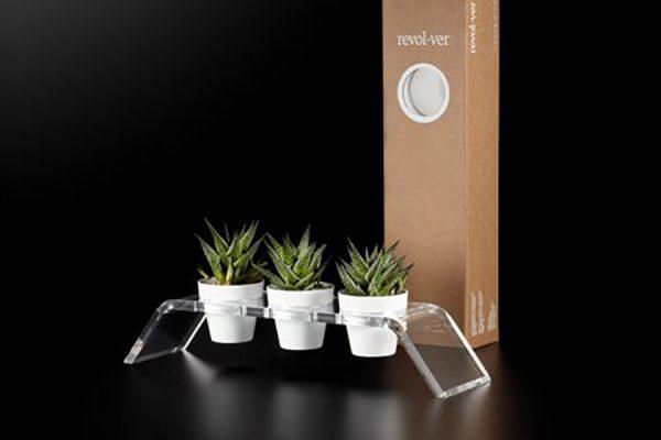 revol-ver-vasi-bianchi_piante_scatole